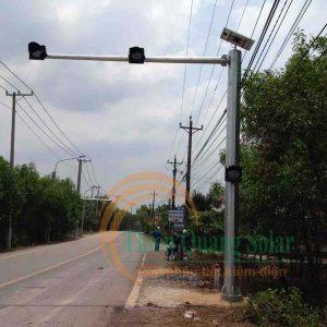 Đèn chớp vàng giao thông D300 trụ 3 đèn